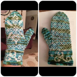 Linda Allbee created these warm mittens featuring my Quiet Reflections colorway as her main color with white as her contrast color. She used the pattern A Snowflake in Killarney by Kirei Knitting Designs.